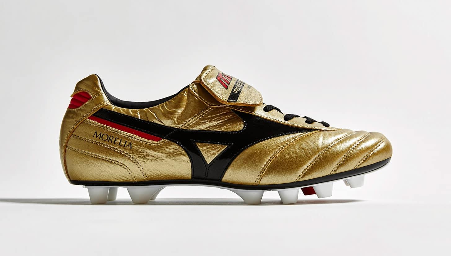 chaussure-football-mizuno-morelia-or-noir-30-ans-3
