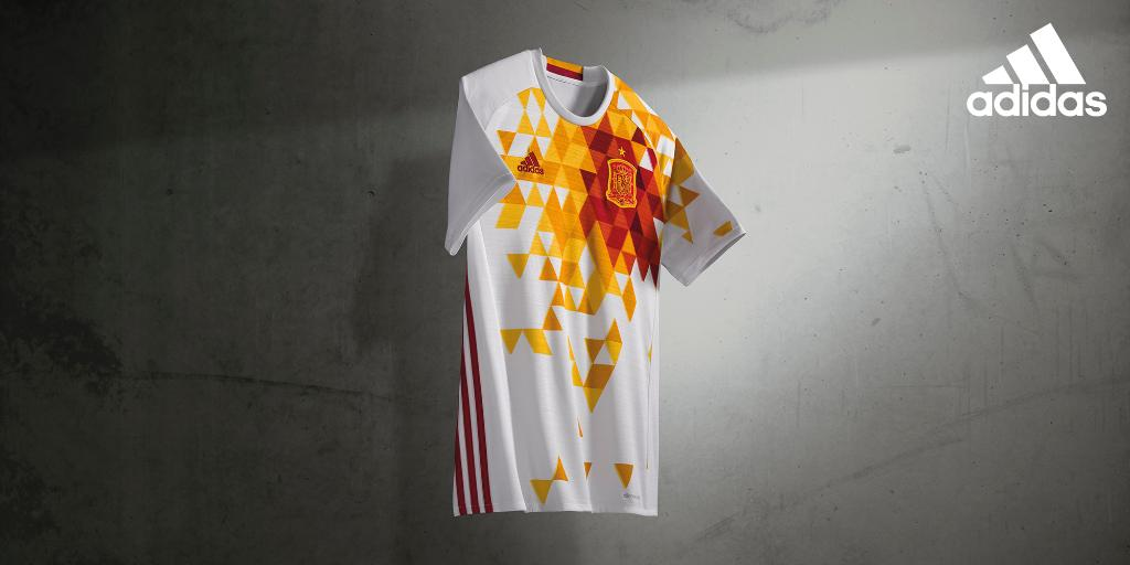 http://www.footpack.fr/wp-content/uploads/2015/11/maillot-adidas-away-espagne-euro-2016.jpg
