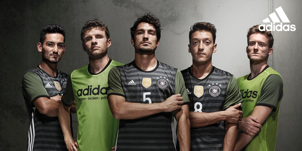 http://www.footpack.fr/wp-content/uploads/2015/11/maillot-allemagne-away-adidas-euro-2016.jpg