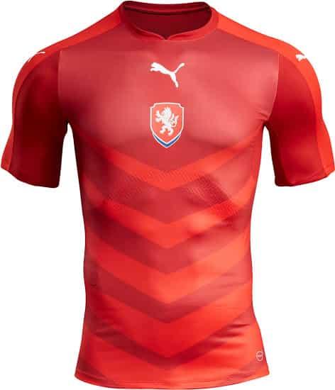 Sous contrat avec Puma, la République Tchèque vient de dévoiler ses nouvelles tenues qu'ils porteront lors de l'Euro 2016 en France.