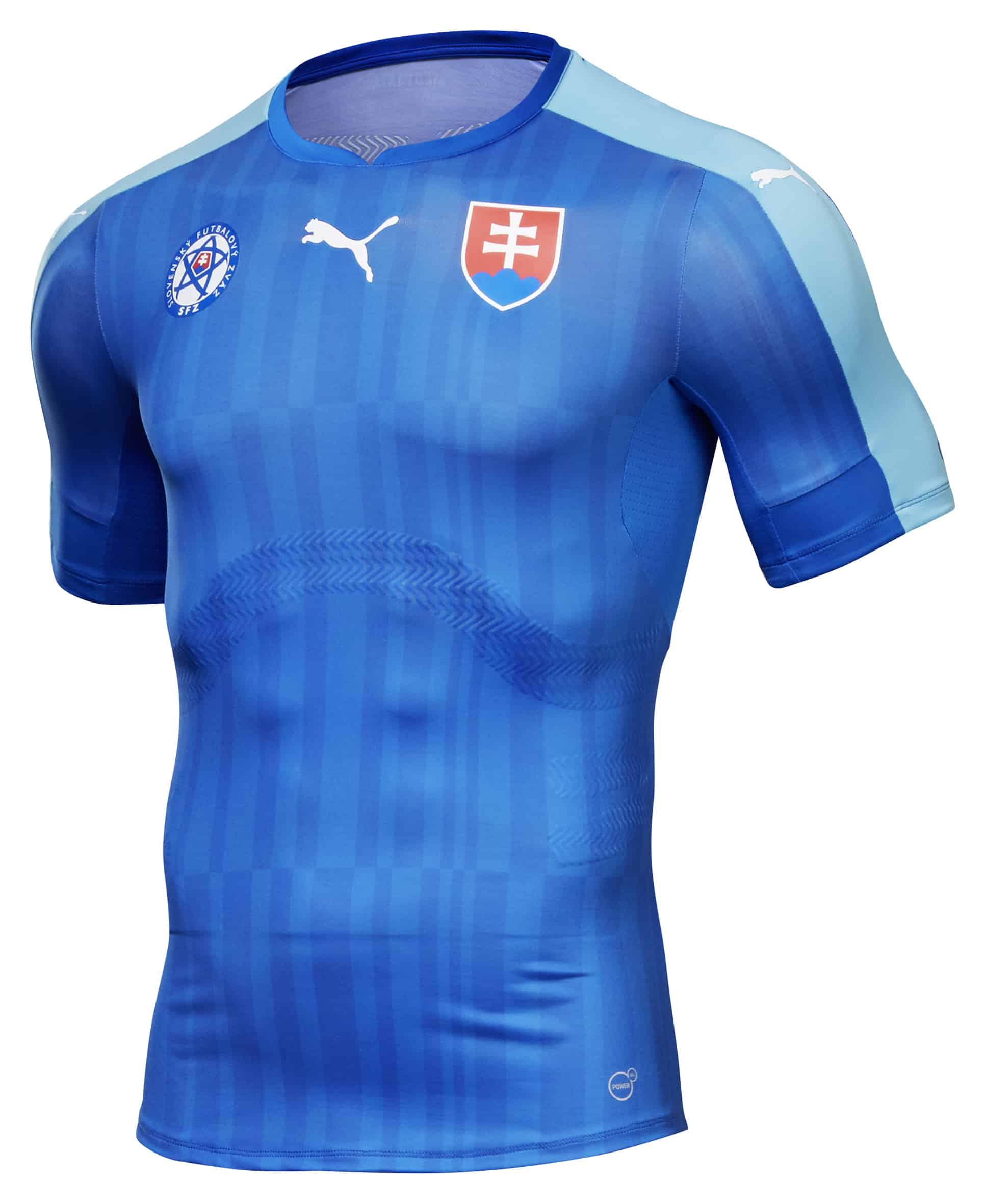 Les maillots de la slovaquie pour l 39 euro 2016 par puma for Maillot exterieur
