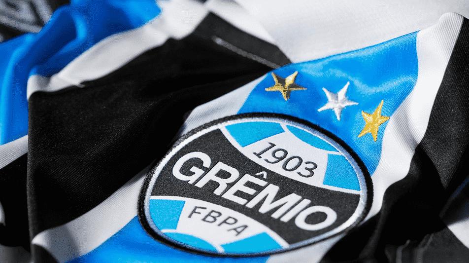 http://www.footpack.fr/wp-content/uploads/2015/11/maillot-gremio-vintage-umbro-6.png
