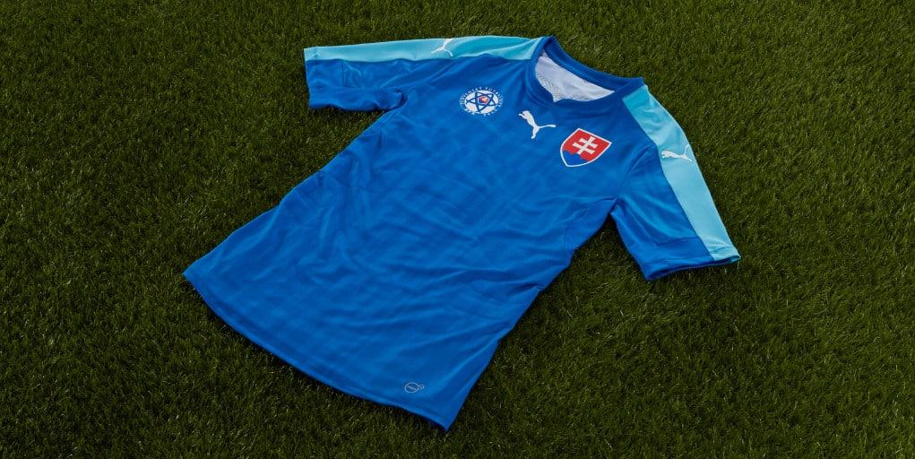 http://www.footpack.fr/wp-content/uploads/2015/11/maillot-slovaquie-exterieur-euro-2016-puma.jpg