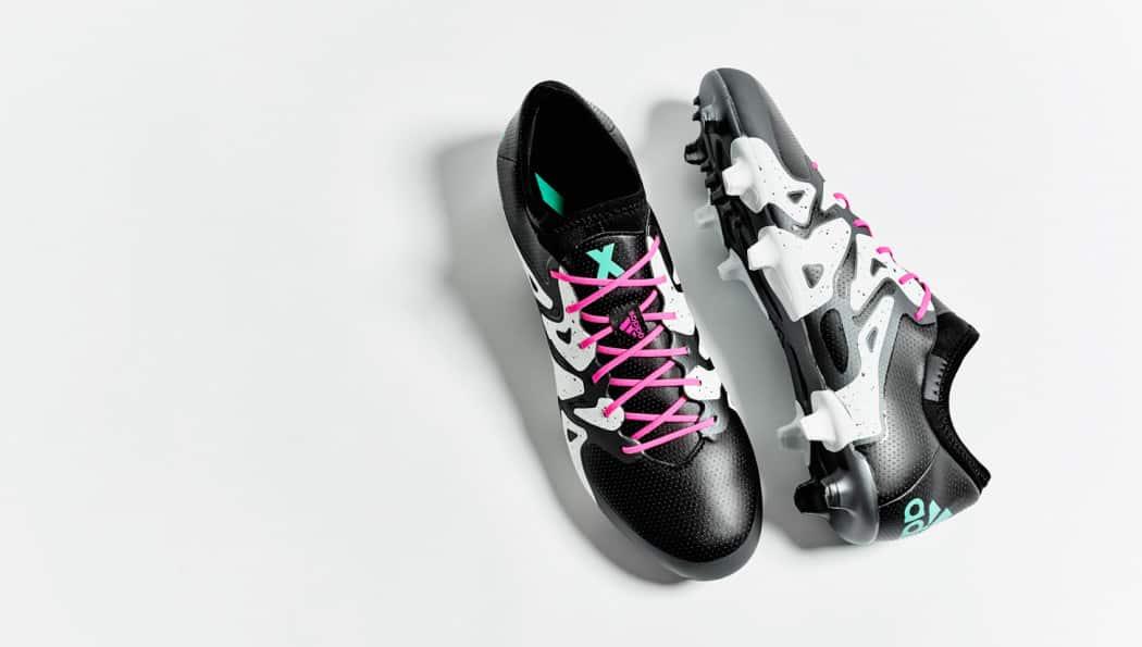 http://www.footpack.fr/wp-content/uploads/2015/12/chaussure-football-adidas-x-noir-blanc-argent-6-1050x595.jpg