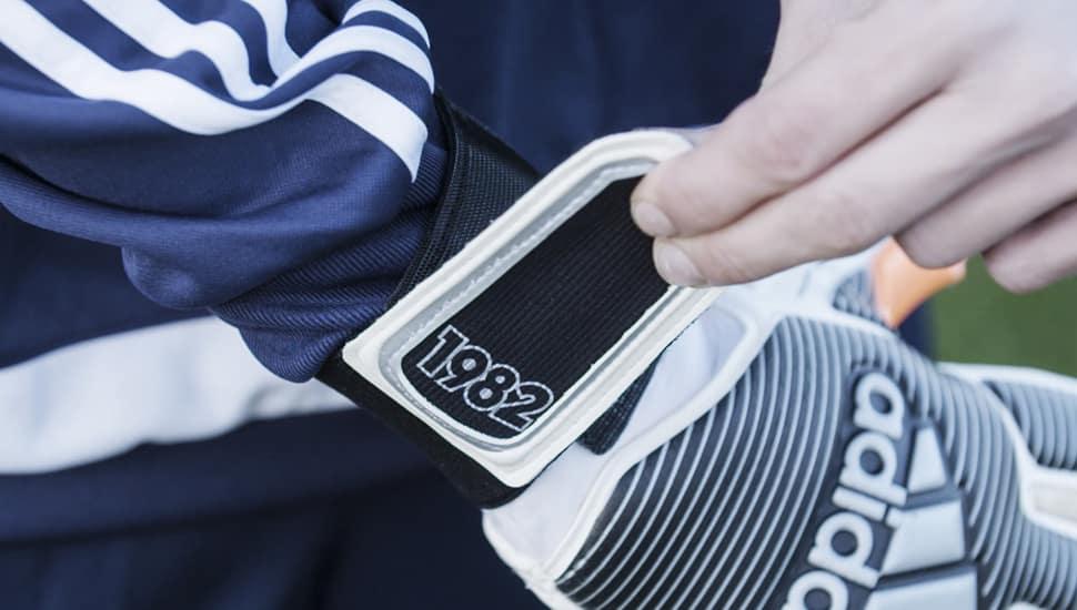 gants-football-adidas-history-pack-1