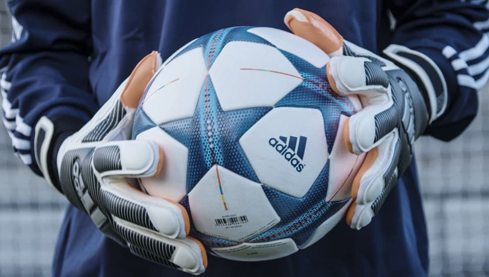 gants-football-adidas-history-pack-1982-schumacher-2