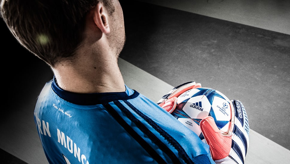 http://www.footpack.fr/wp-content/uploads/2015/12/gants-football-adidas-history-pack-8.jpg