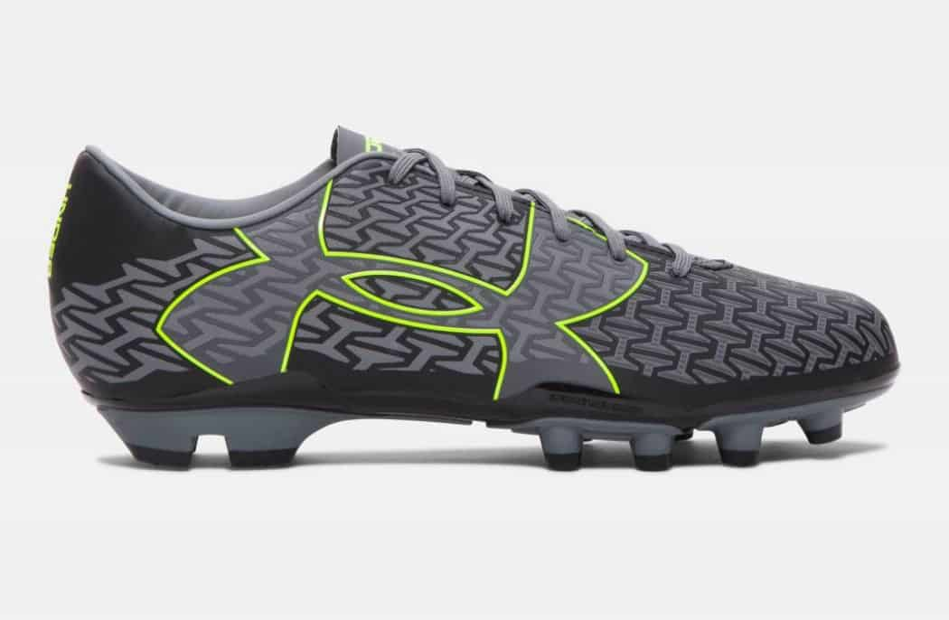 http://www.footpack.fr/wp-content/uploads/2016/01/Under-armour-clutchfit-force-2-0-noir-graphite-jaune-2-1050x686.jpg