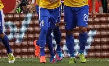 chaussure-football-neymar-nike-mercurial-vapor-8-1