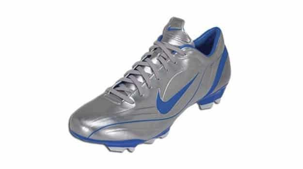 chaussure-football-nike-mercurial-vapor-II-gris
