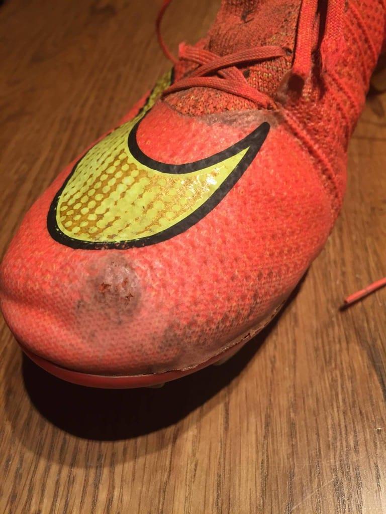 chaussure de foot nike sans lacet