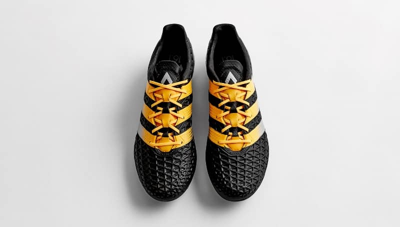 http://www.footpack.fr/wp-content/uploads/2016/02/chaussure-football-adidas-ace-16-black-gold-3.jpg