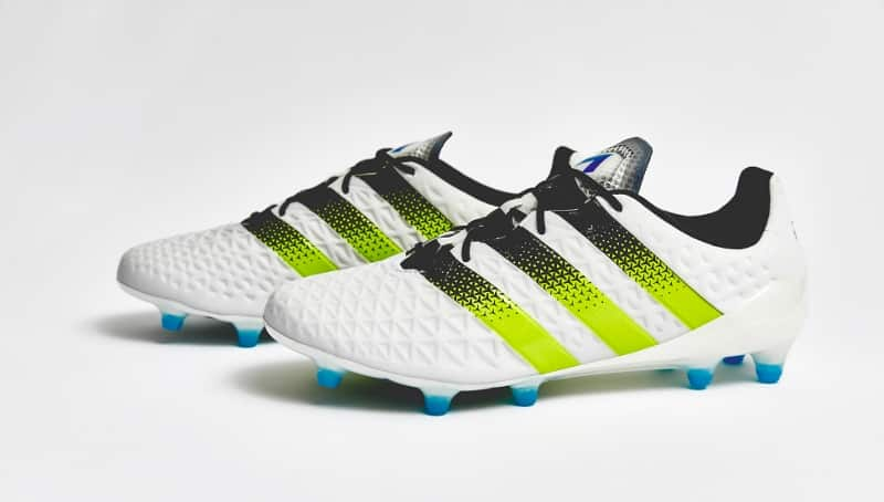 http://www.footpack.fr/wp-content/uploads/2016/02/chaussure-football-adidas-ace-16-white-green-4.jpg