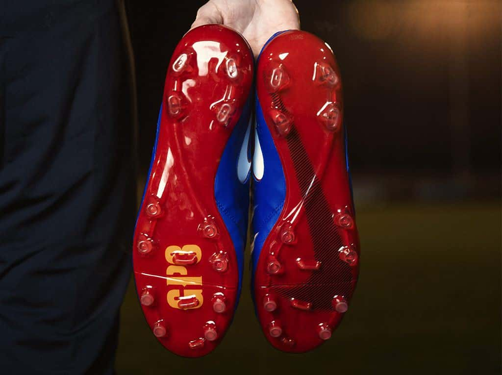 chaussure-football-nike-tiempo-id-Piqué-1