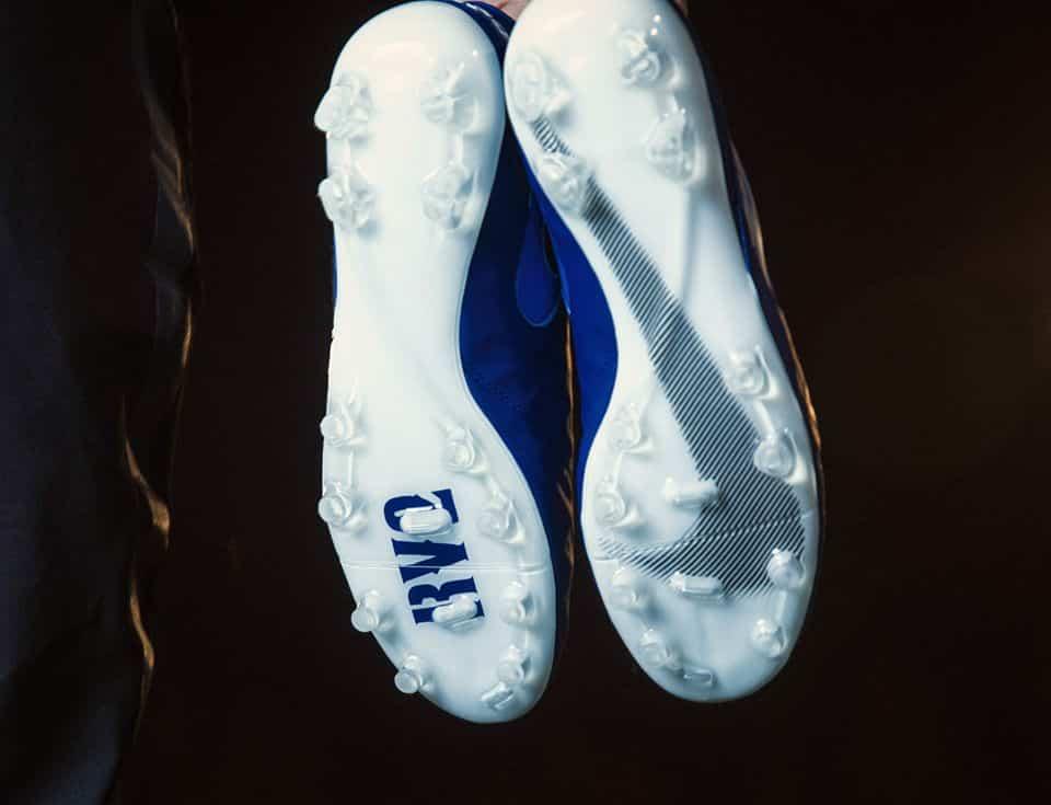 chaussure-football-nike-tiempo-id-varane-2