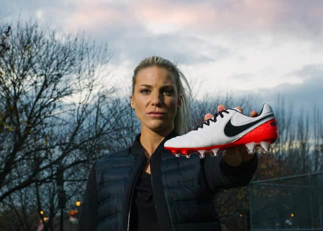 chaussure-football-nike-tiempo-legend-6-julie-johnston-13