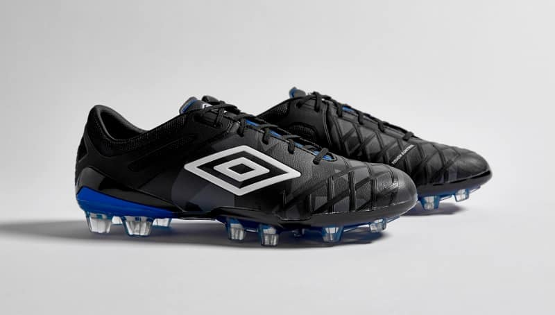 http://www.footpack.fr/wp-content/uploads/2016/02/chaussure-football-umbro-ux-2-7.jpg