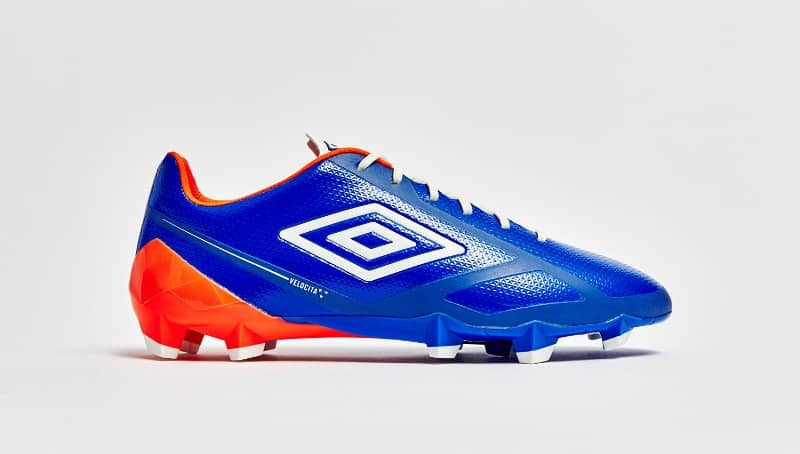 http://www.footpack.fr/wp-content/uploads/2016/02/chaussure-football-umbro-velocita-2-blue-7.jpg