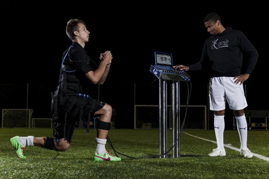 http://www.footpack.fr/wp-content/uploads/2016/02/efit-electrostimulation-football-1050x699.jpg