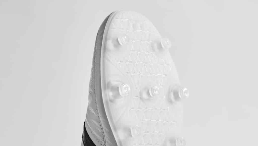 chaussure-foot-adidas-gloro-2016-2