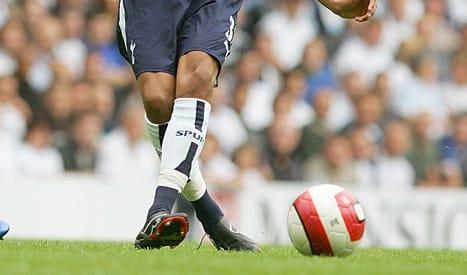 chaussure-football-Assous-Ekotto-Puma-noir-2006