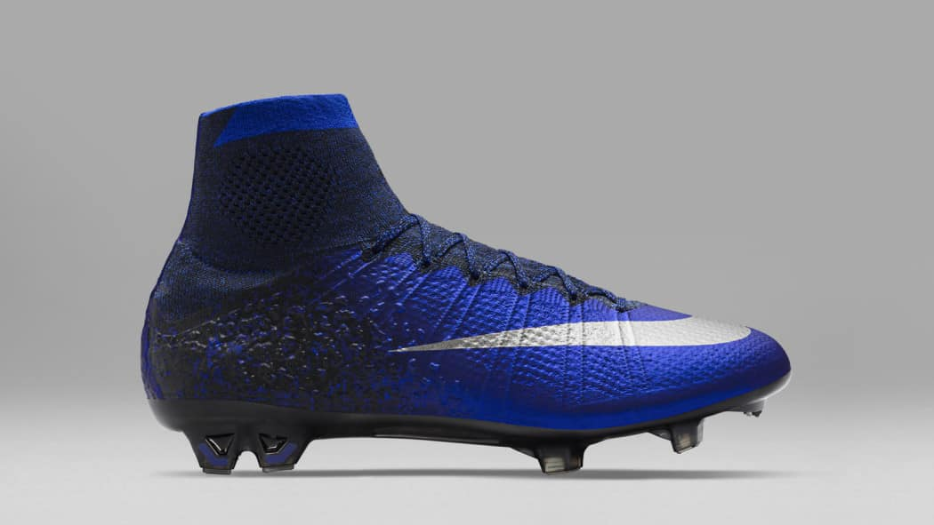 http://www.footpack.fr/wp-content/uploads/2016/03/chaussure-football-nike-mercurial-CR7-chapitre-2-2-1050x591.jpg