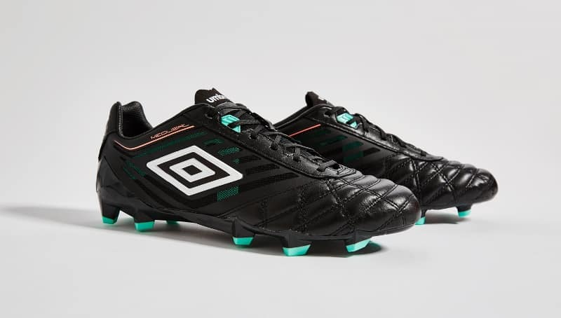 http://www.footpack.fr/wp-content/uploads/2016/03/chaussure-football-umbro-medusae-black-1.jpg