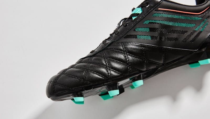 chaussure-football-umbro-medusae-black-3