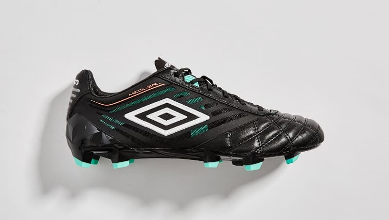 chaussure-football-umbro-medusae-black-4