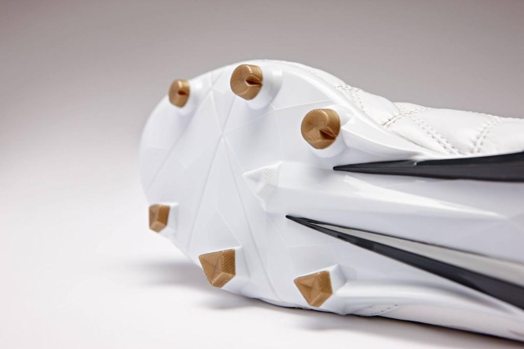 chaussure-football-umbro-medusae-blanc-4