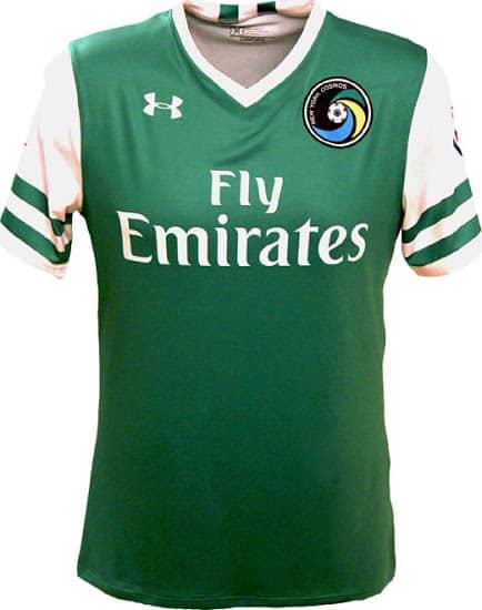 Présent au sein de la NASL, le deuxième echelon du football américain, le légendaire club des New-York Cosmos vient de dévoiler ses nouveaux maillots 2016