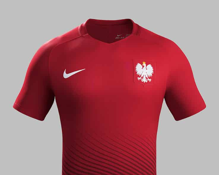 A quelques semaines du début de la compétition, la Pologne vient de dévoiler avec Nike son équipementier ses nouveaux maillots pour l'Euro 2016
