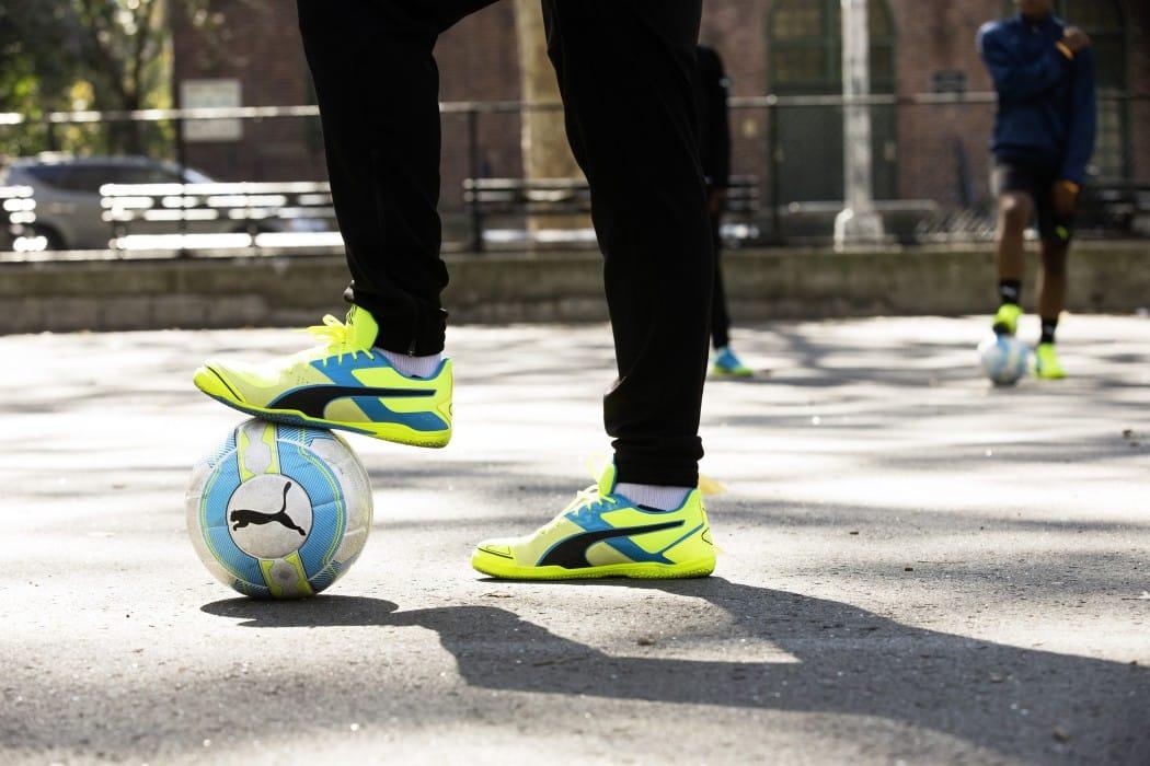 http://www.footpack.fr/wp-content/uploads/2016/04/chaussure-football-puma-evostreet-9-min-1050x700.jpg