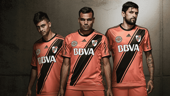 http://www.footpack.fr/wp-content/uploads/2016/04/maillot-third-river-plate-2016-adidas-argentine.png