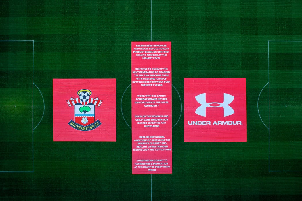 http://www.footpack.fr/wp-content/uploads/2016/04/under-armour-southampton-maillot-de-foot-4-1050x700.jpg