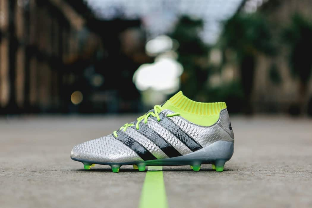http://www.footpack.fr/wp-content/uploads/2016/05/chaussure-football-adidas-ACE16-Primeknit-Mercury-Pack-footpack-1050x700.jpg
