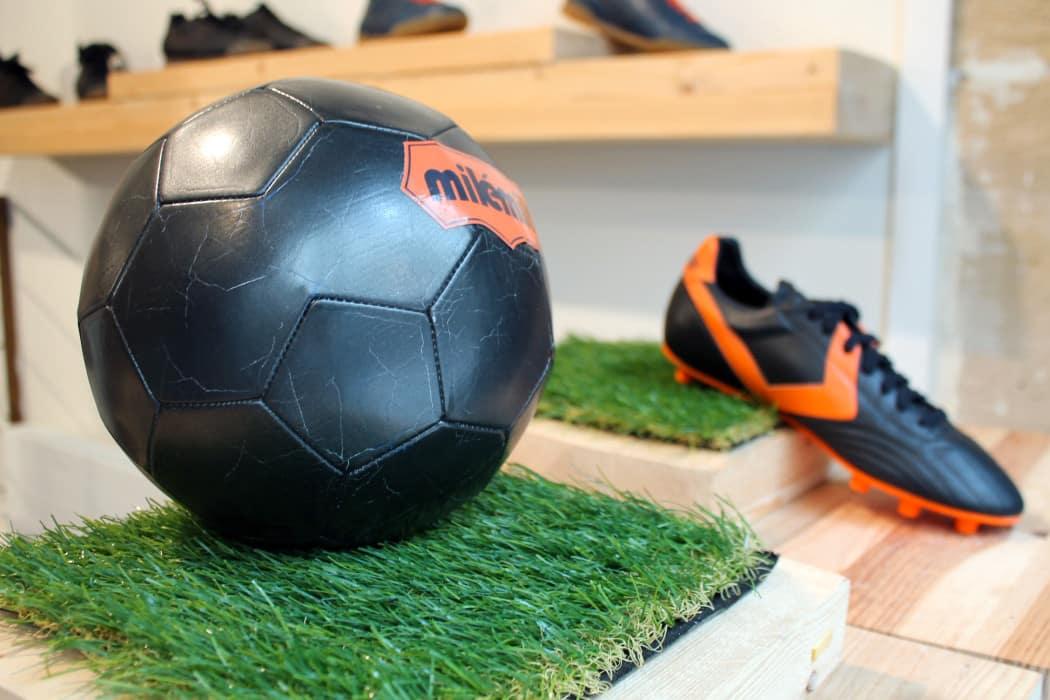 http://www.footpack.fr/wp-content/uploads/2016/05/chaussures-football-Milémil-2016-1-1050x700.jpg