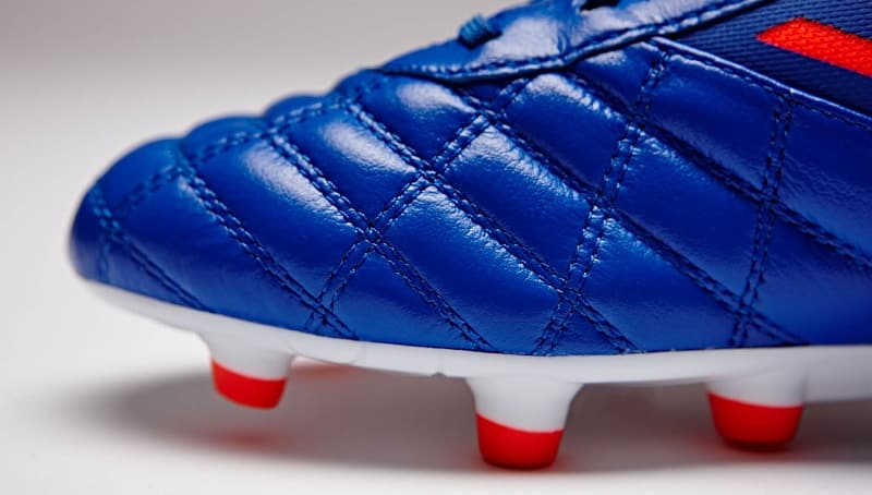 chaussures-football-umbro-medusae-dazzling-blue-5 (800x454)