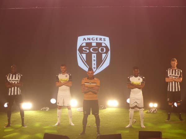 http://www.footpack.fr/wp-content/uploads/2016/05/maillot-angers-sco-2016-2017-kappa.jpg