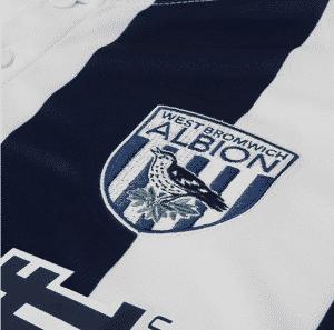 maillot-domicile-west-bromwich-albion-2016-2017-logo