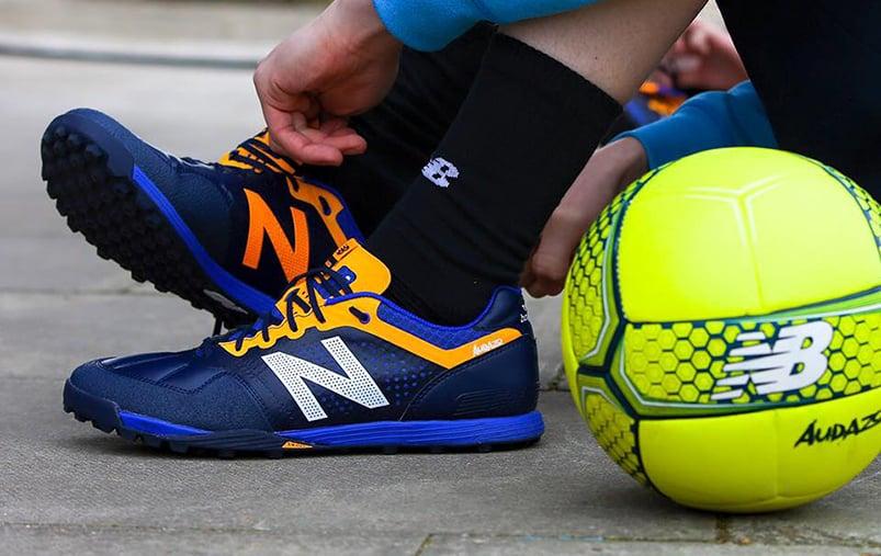 http://www.footpack.fr/wp-content/uploads/2016/06/chaussure-football-street-new-balance-audazo-2016-3.jpg