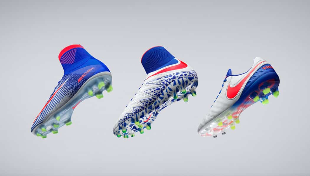 http://www.footpack.fr/wp-content/uploads/2016/06/chaussures-football-nike-women-spark-brillance-1050x595.jpg