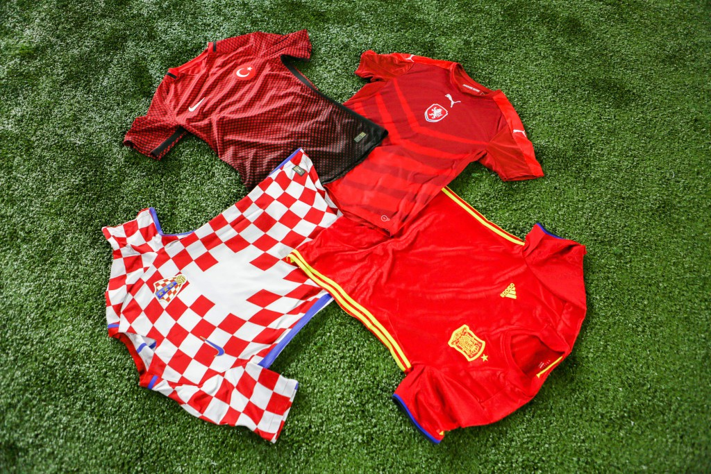 maillots-football-groupe-D-2-min