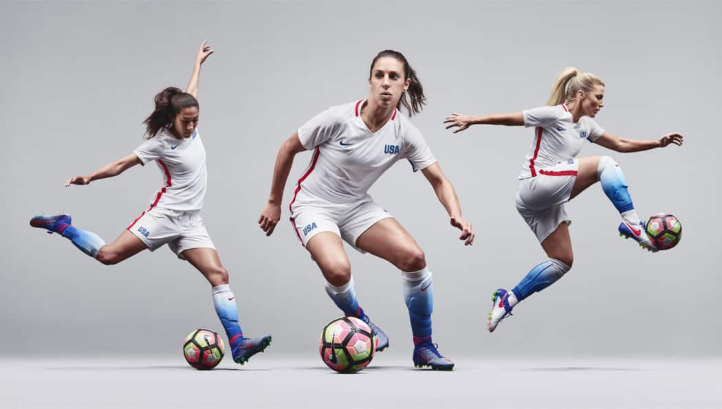 http://www.footpack.fr/wp-content/uploads/2016/06/maillots-football-nike-uswnt-stiking-platinium-2-1050x595.jpg