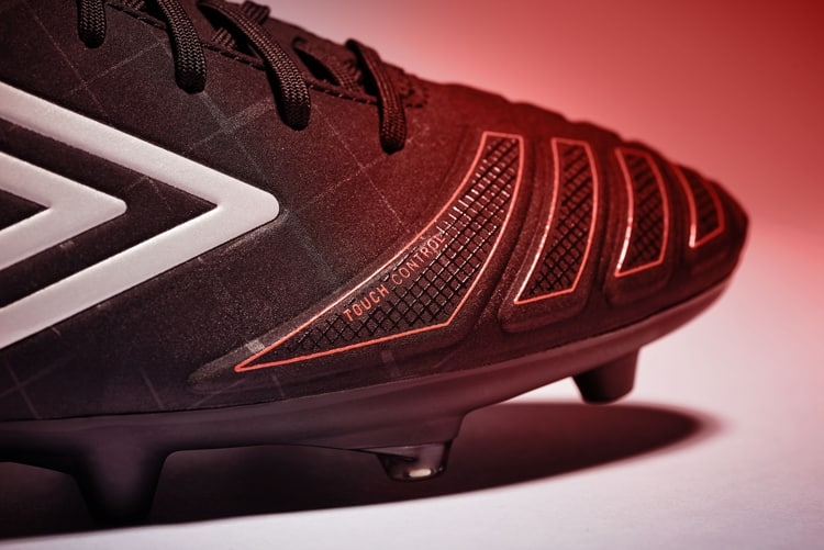 chaussure-football-umbro-ux-accuro-2016-3