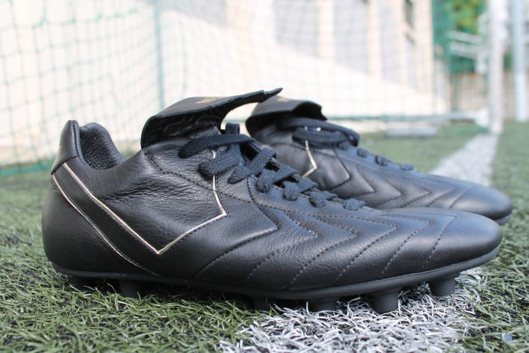 http://www.footpack.fr/wp-content/uploads/2016/07/chaussures-football-Milémil-Prestige-4-1050x700.jpg