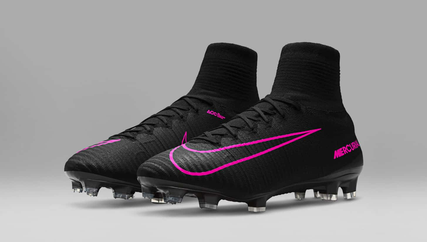 chaussures-football-Nike-pitch-dark-nike-mercurial-superfly-V-1