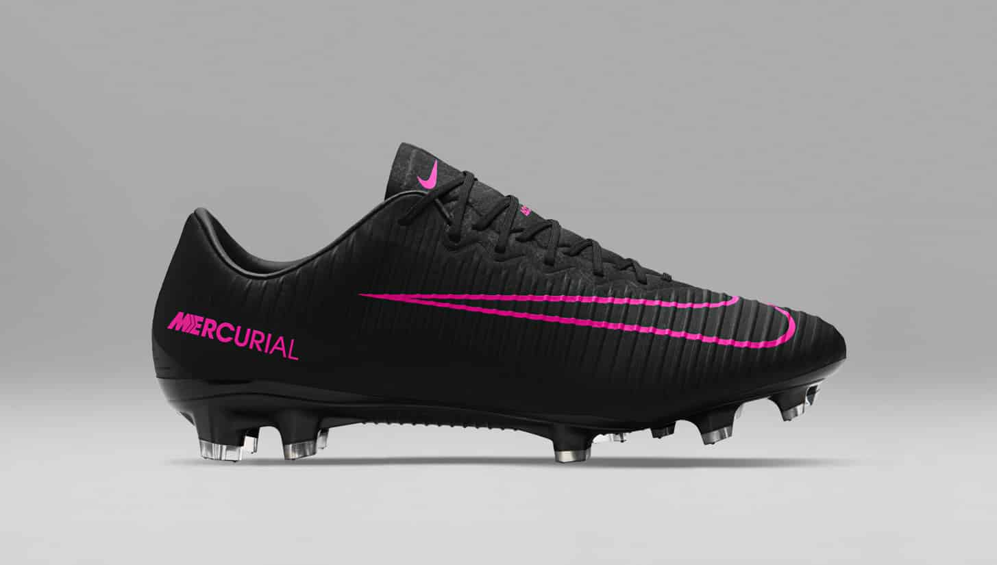 chaussures-football-Nike-pitch-dark-nike-mercurial-vapor-XI-1