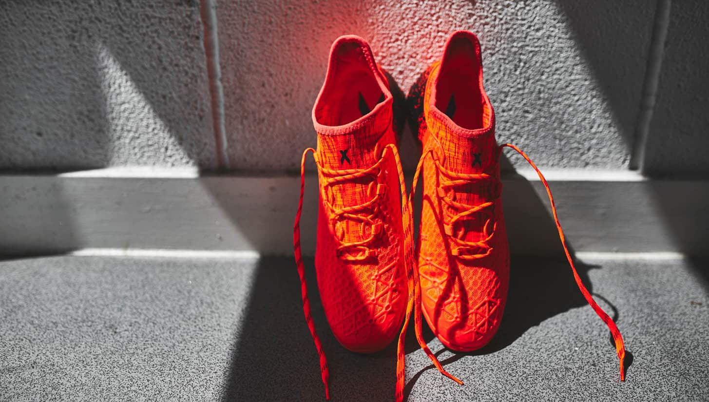 chaussures-football-adidas-x-court-rouge-3