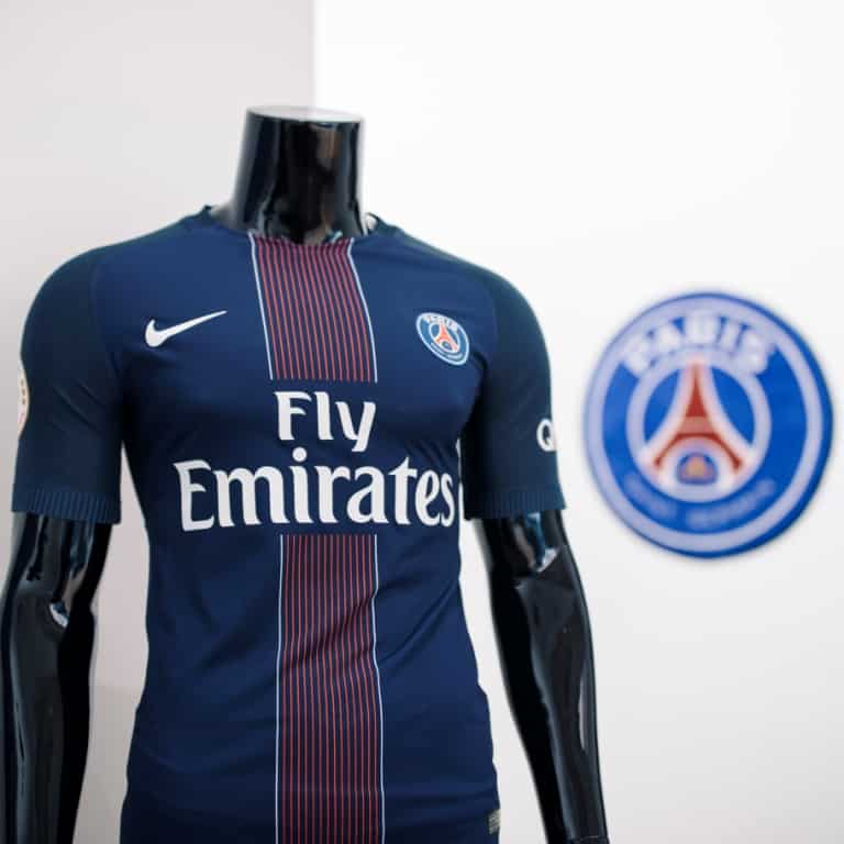 maillot-domicile-paris-saint-germain-2016-2017-thiago-silva